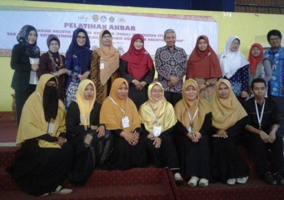 Fathul Halim Tutup Pelatihan Akbar Guru Paud Se Kaltim